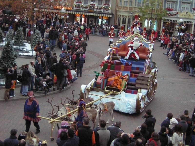 Anciens spectacles et parades de Disneyland Paris - Page 2 Dscn1715