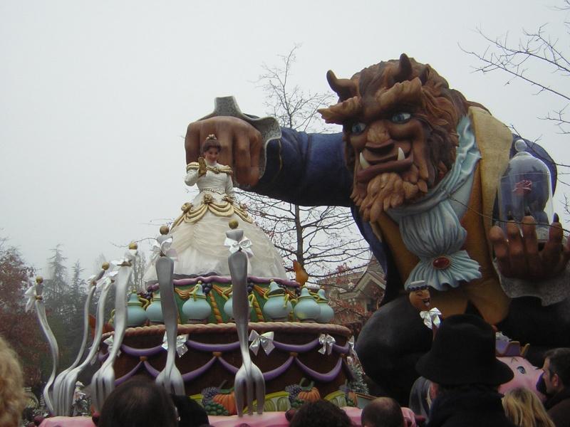 Anciens spectacles et parades de Disneyland Paris - Page 2 Dscn1716