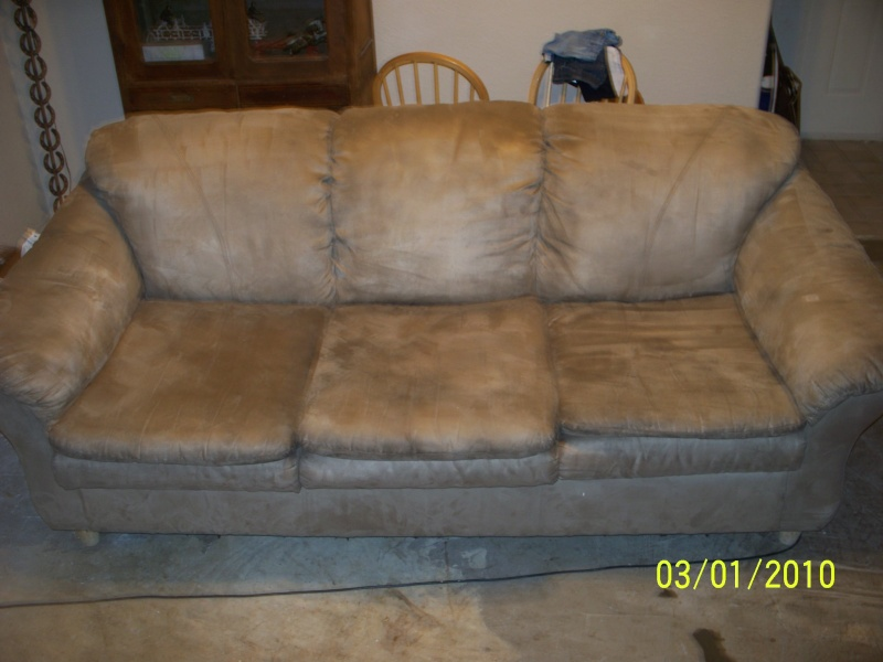 fs or ft microfiber couch  pu only Saginaw  $120 Saltwa10