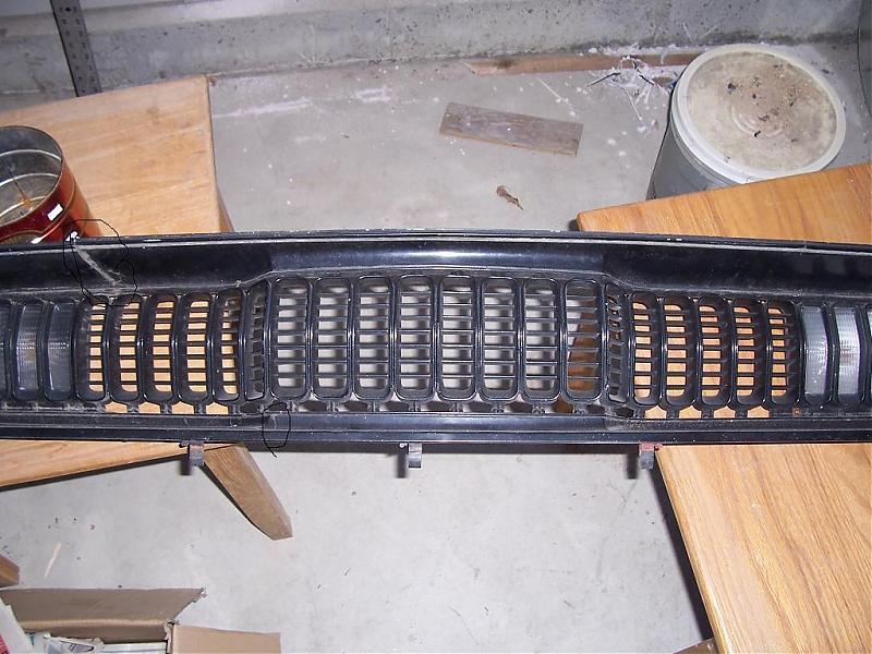 Recherche grille Duster (sharktooth) TROUVÉ 000_0710