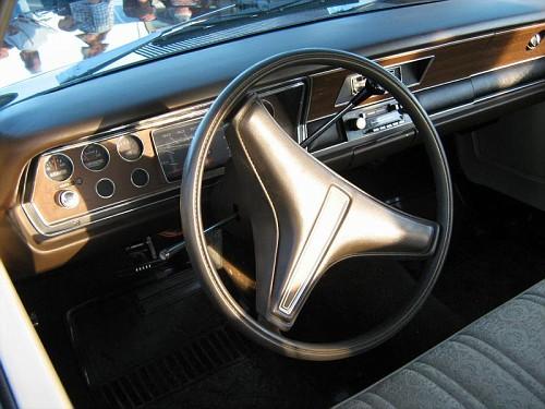 plymouth valiant 1975 a vendre Valian13