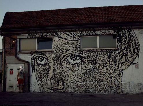 Italian Grafitti Sten-l13