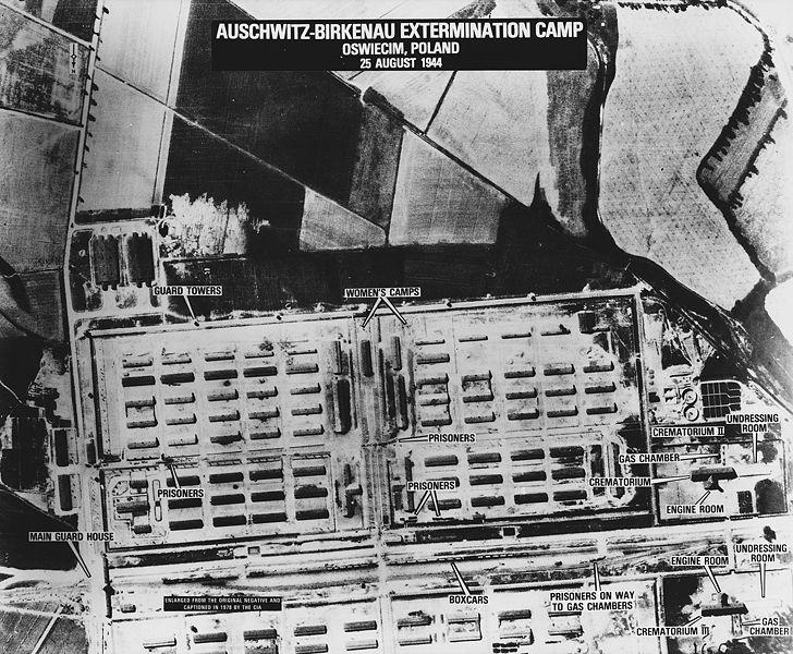 Auschwitz-Birkenau 728px-10