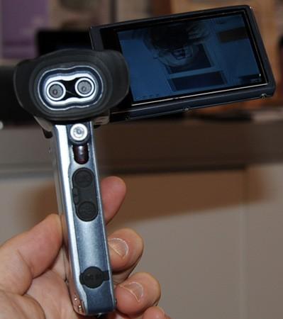 DXG 321 le premier camescope HD 3D Grand Public Cam3d11
