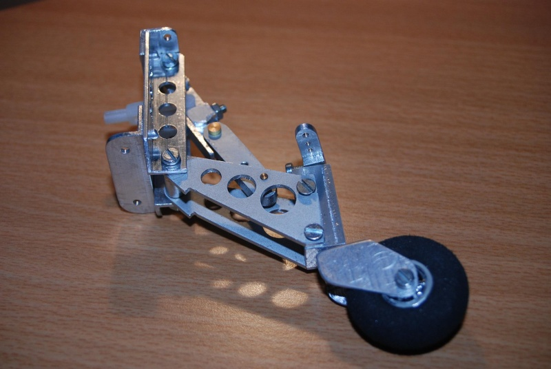 Projet Bearcat F8F 1,35m Dsc_0210