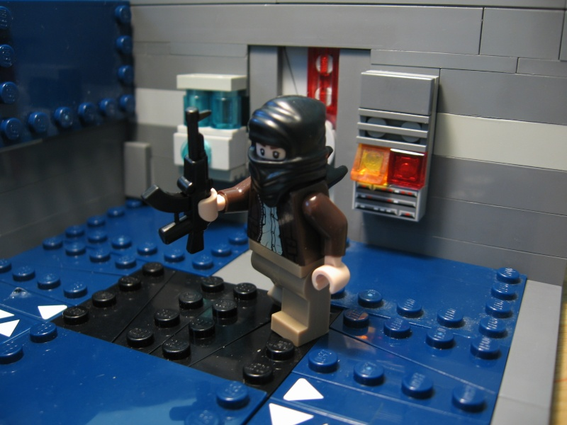 Review on Modern and Sci-Fi BrickArms Img_1514