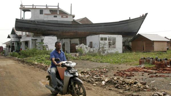 Tsunami du 26 déc 2004 (Sri Lanka, Indonésie) Bat110
