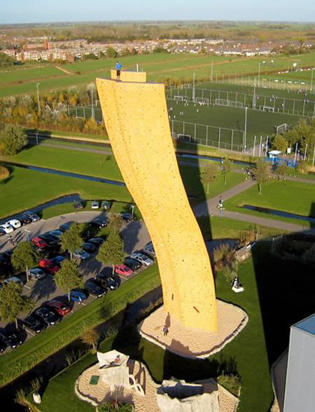 Excalibur, le mur d'escalade le plus haut du monde (Groningen, Pays Bas) Excali11