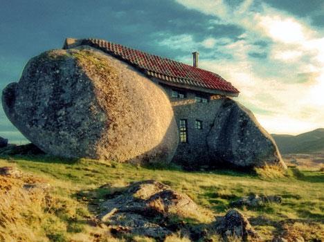 Maison en pierre (ou Casa do penedo Pereira) - Portugal Pier310