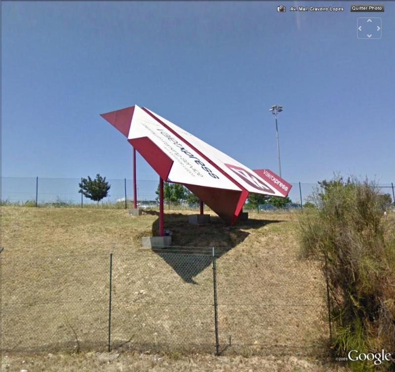 STREET VIEW : Pub Avion Lisbone Portugal Vion210