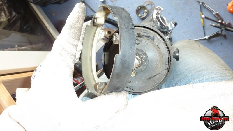 Maïté au volant: Dépose colonne dir. CJ7 boite manuelle P1030344