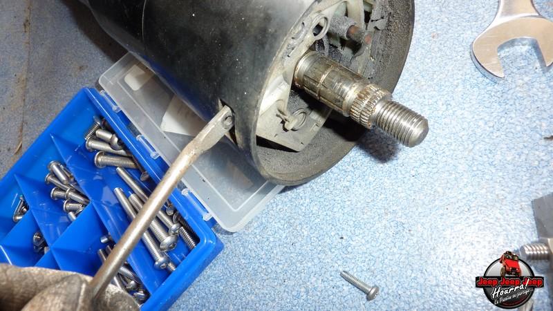 Maïté au volant: Dépose colonne dir. CJ7 boite manuelle P1030412