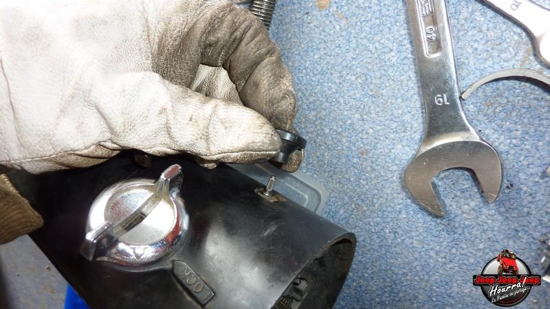 Maïté au volant: Dépose colonne dir. CJ7 boite manuelle P1030413