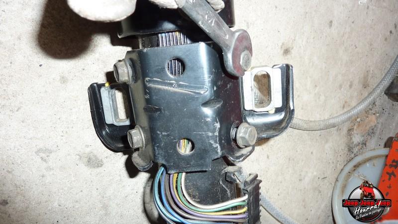 Maïté au volant: Dépose colonne dir. CJ7 boite manuelle P1030415