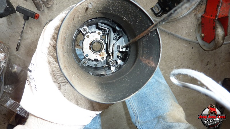 Maïté au volant: Dépose colonne dir. CJ7 boite manuelle P1030428