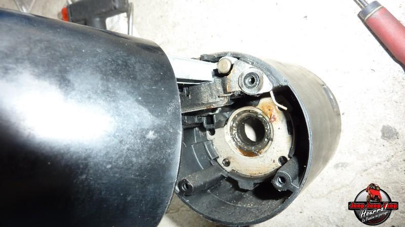 Maïté au volant: Dépose colonne dir. CJ7 boite manuelle P1030429
