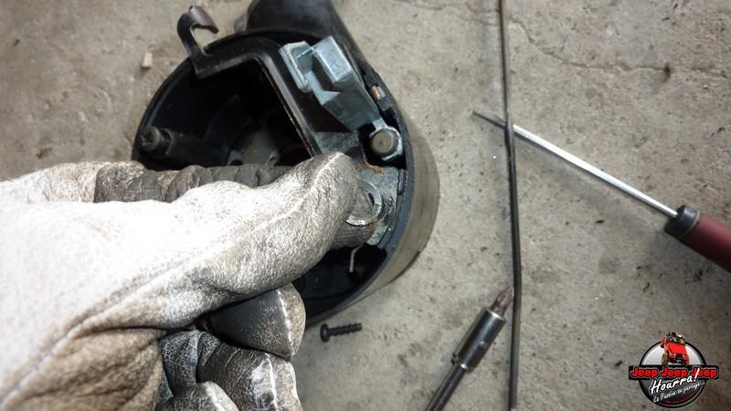 Maïté au volant: Dépose colonne dir. CJ7 boite manuelle P1030431