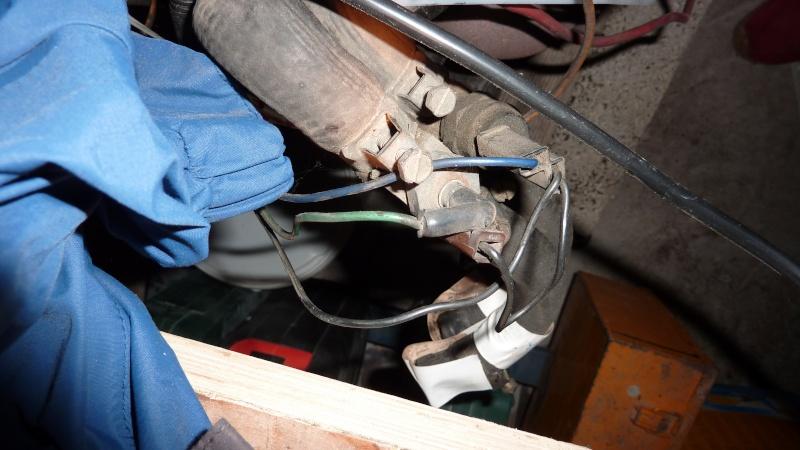 Sonde de température d'eau Renault sur CJ7 2.1L D et 2L Ess P1040427