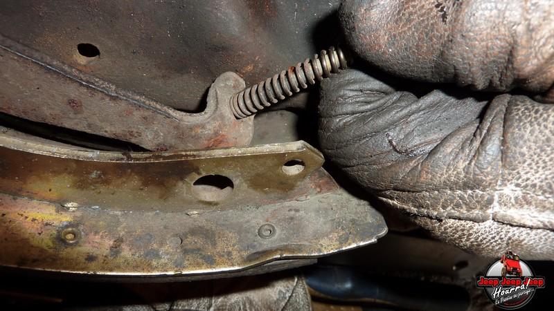 Maité tombe les tambours (dépose tambours CJ7 AMC 20 1982) P1040624