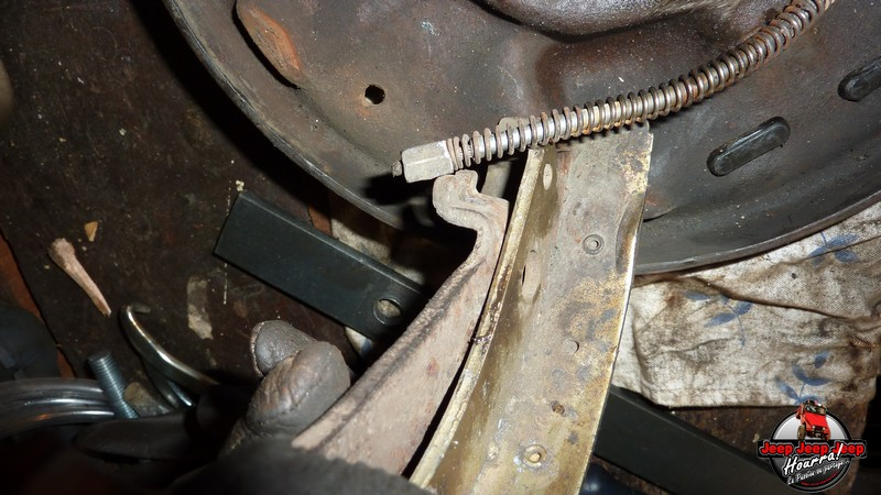 Maité tombe les tambours (dépose tambours CJ7 AMC 20 1982) P1040625