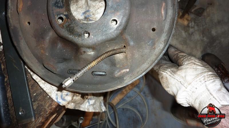 Maité tombe les tambours (dépose tambours CJ7 AMC 20 1982) P1040627