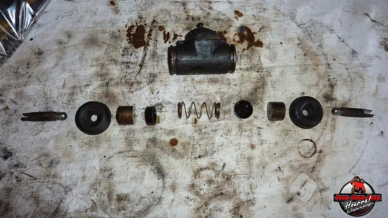 Maité tombe les tambours (dépose tambours CJ7 AMC 20 1982) P1040637
