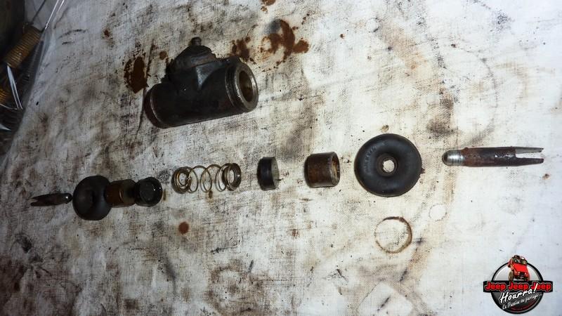 Maité tombe les tambours (dépose tambours CJ7 AMC 20 1982) P1040638