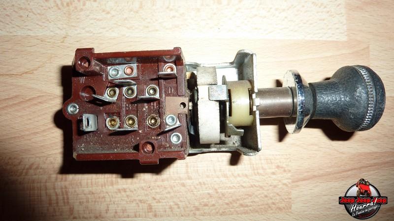 Maïté... et la lumière fut (contacteurs phares CJ7 76-86) P1040831