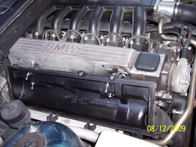 [BMW 325 tds E36] Cache-culbuteurs 100_2113