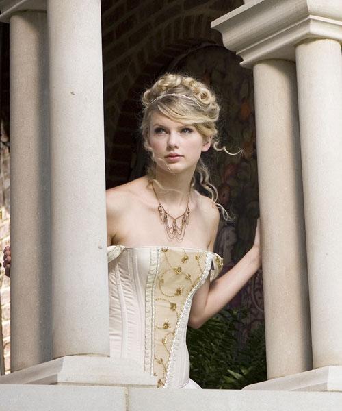 أكبر مجموعة صور لنجمة هوليوود المغنية تايلور سويفت  المصدر : منتديات أحلام المراهقات: http://karima.allgoo.us/t74-topic#ixzz28dPeBdsa L_1b6910