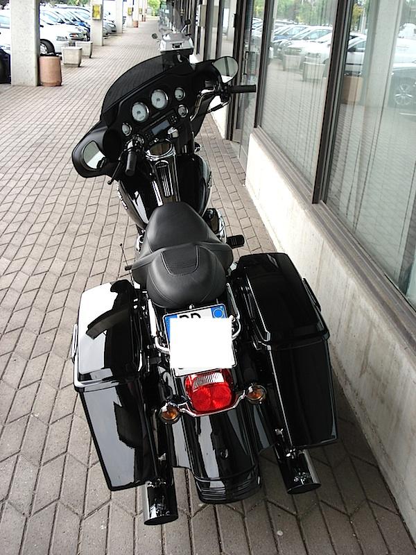 Manu &  Harley Davidson  Street Glide Fin110