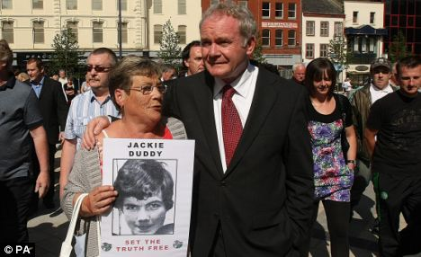 What did McGuinness do in the lost 25min on Bloody Sunday? Articl14