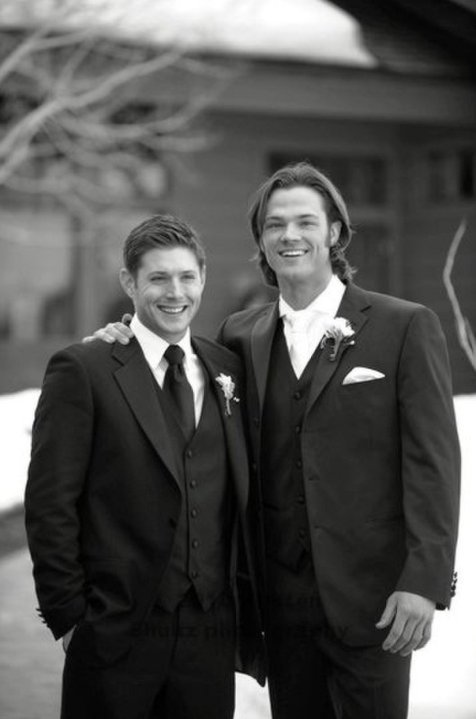 The Sam Winchester/Jared Padalecki Thread - Page 2 J2_wed10