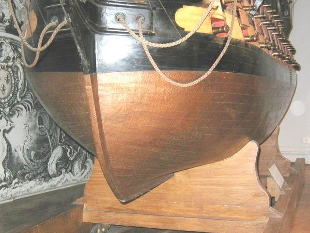 HMAV Bounty de Del prado au 1/48ème - Page 12 Ocean_10
