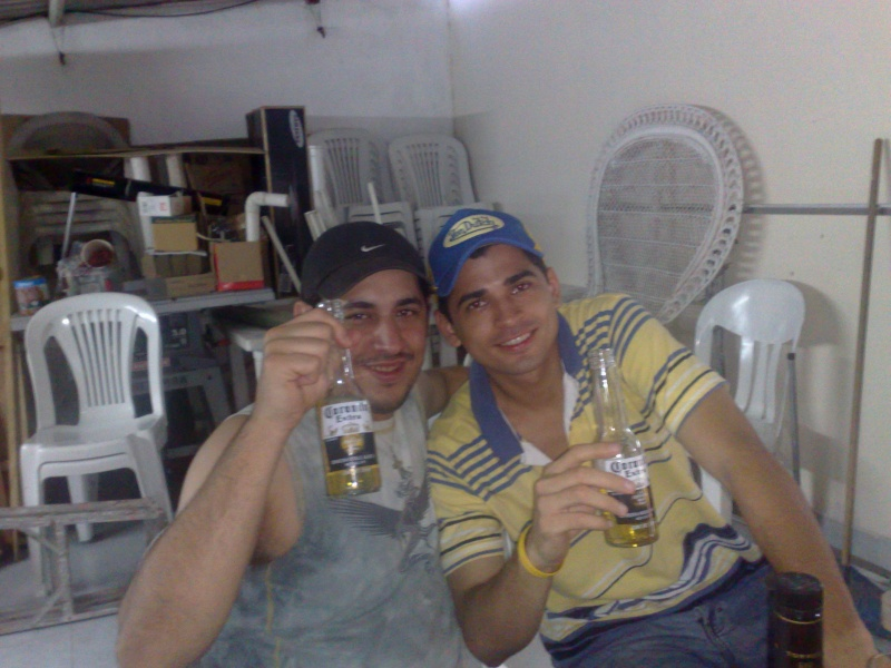 Jerjes and Aless drinking :3 23052012