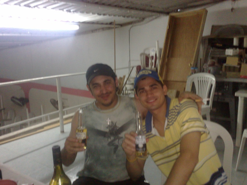 Jerjes and Aless drinking :3 23052013