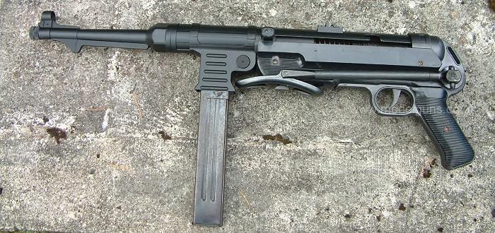 Votre pistolet-mitrailleur préféré - Page 9 Mp4010