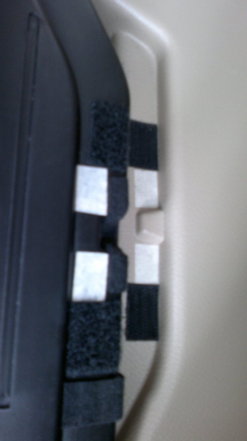 How to use velcro to secure hidden rear cargo cover  20032014