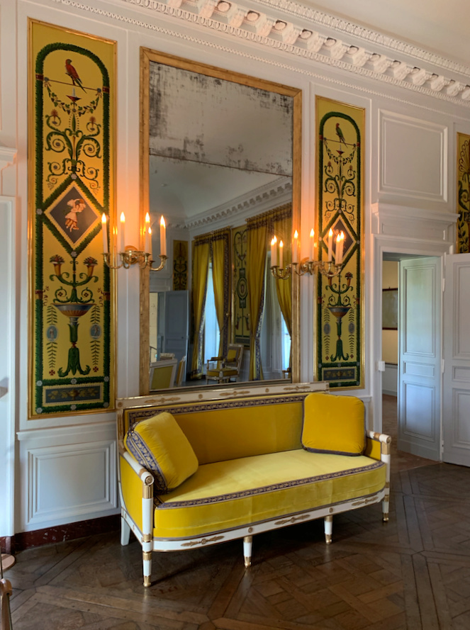 Hameau du Petit Trianon : Restauration de la maison de la Reine  - Page 19 1211