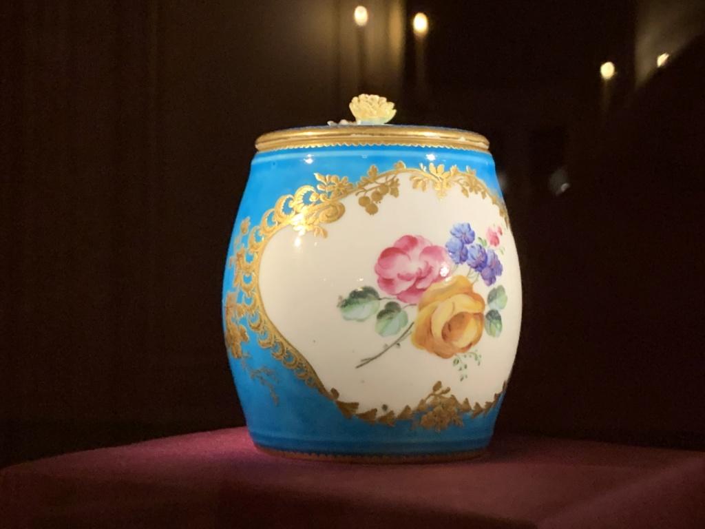 Ouverture du cabinet des porcelaines du château de Versailles  19362a10