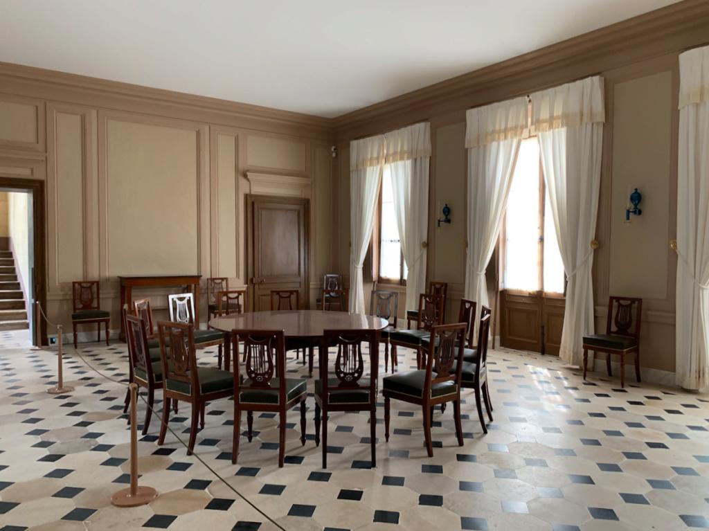 Hameau du Petit Trianon : Restauration de la maison de la Reine  - Page 19 211