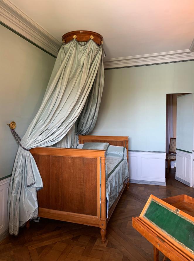 Hameau du Petit Trianon : Restauration de la maison de la Reine  - Page 19 2510