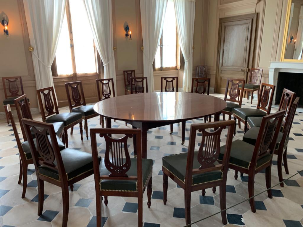Hameau du Petit Trianon : Restauration de la maison de la Reine  - Page 19 410