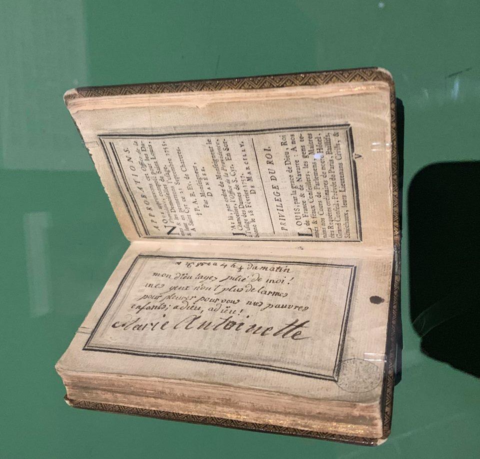 billet - Le billet du 16 octobre 1793 attribué à la reine  57024010