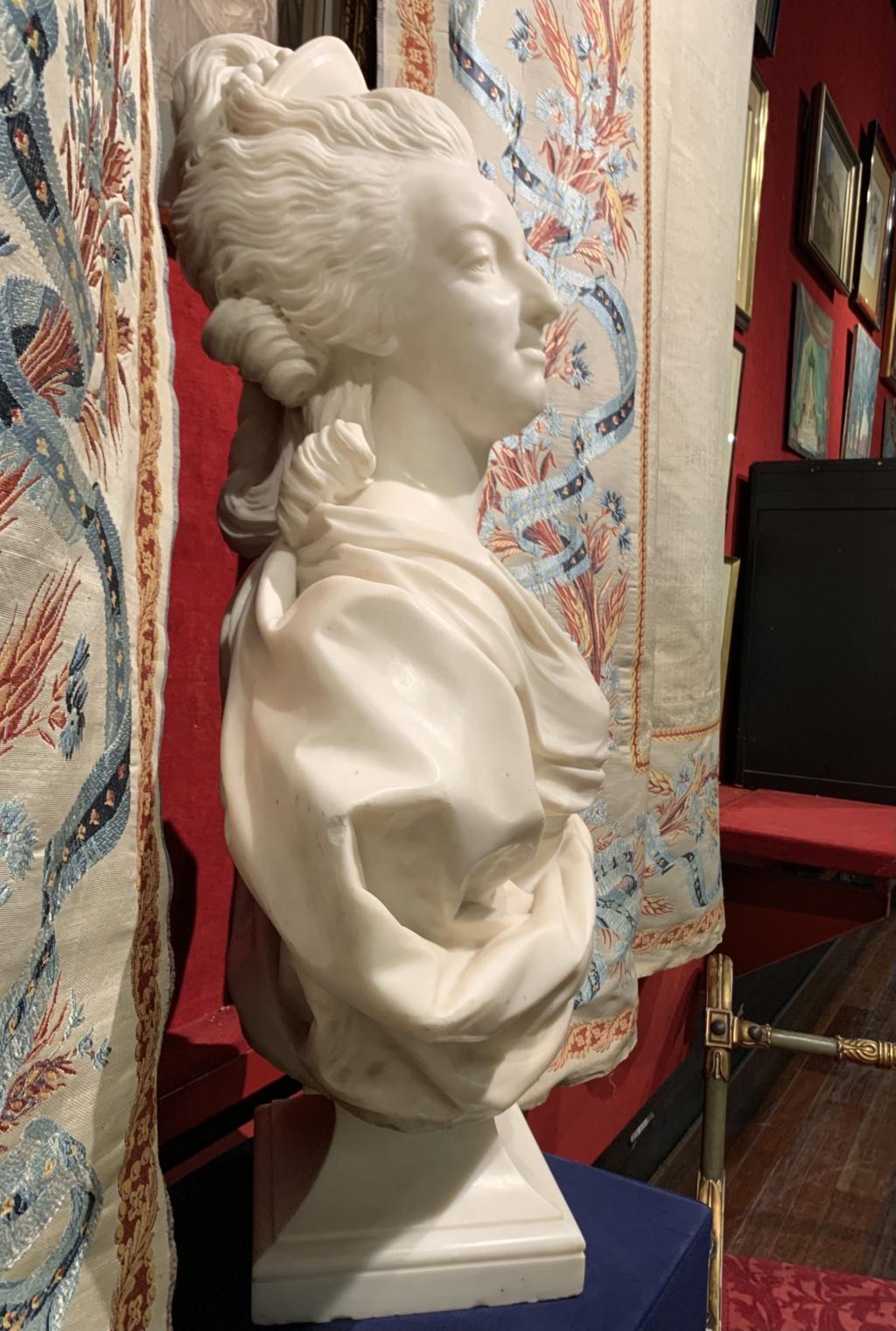 Marie Antoinette, par (et d'après) Louis-Simon Boizot - Page 3 606cfd10