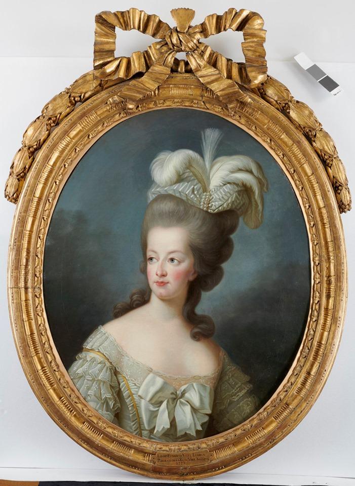 Cent portraits pour un siècle. Exposition au Musée Lambinet (Versailles) et Palais Lascaris (Nice) 73388310