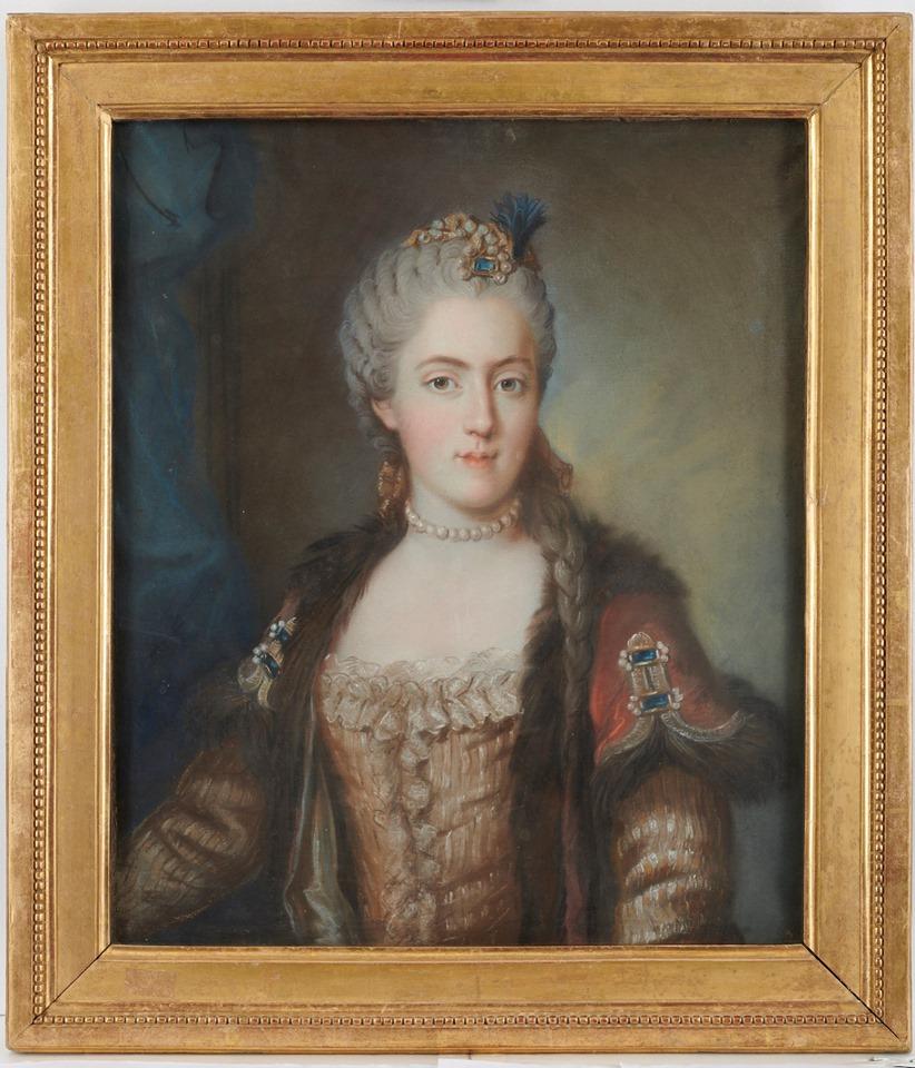 Cent portraits pour un siècle. Exposition au Musée Lambinet (Versailles) et Palais Lascaris (Nice) 73460510