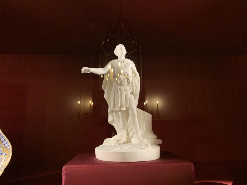 Ouverture du cabinet des porcelaines du château de Versailles  8b1ed310