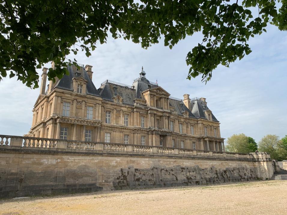 Le château de Maisons, résidence du comte d'Artois  Captu176