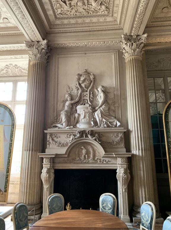 Le château de Maisons, résidence du comte d'Artois  Captu195